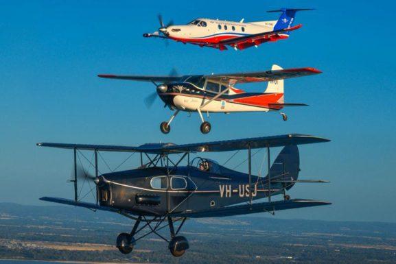 [Image: Fox-Moth-PC12-RFDS-Formation-e1526777823571.jpeg]